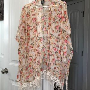 Floral, lace trimmed kimono style
